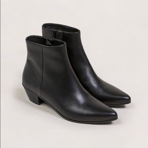 Common Projects WOMAN Ankle Boots